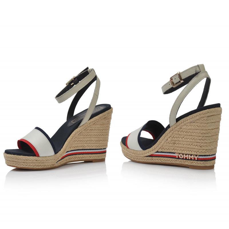5580c9c48abc ... Dámske sandále na platforme fw0fw04075 biela TOMMY HILFIGER ...