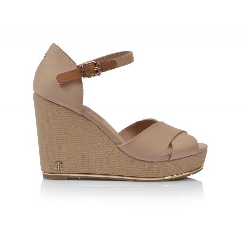 1ef6ee9af7d1 Dámske sandále na platforme fw0fw04078 béžová TOMMY HILFIGER ...