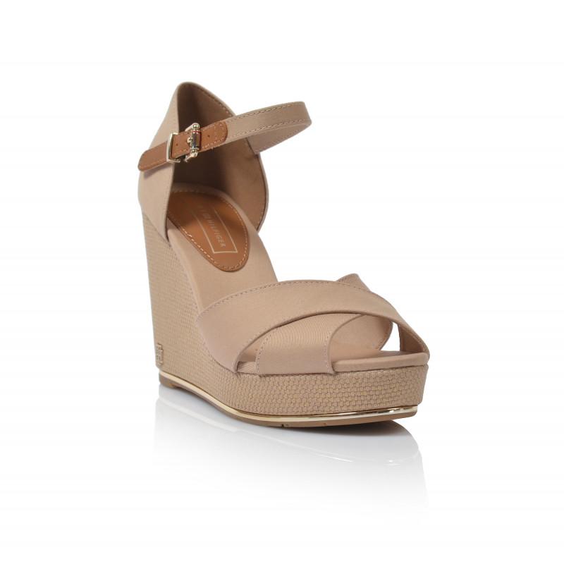 59f90f3f91d1 ... Dámske sandále na platforme fw0fw04078 béžová TOMMY HILFIGER ...