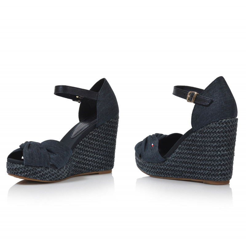 4c8162cc5ac3 ... Dámske sandále na platforme fw0fw04080 modrá TOMMY HILFIGER ...
