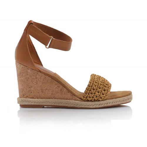 Dámske sandále na platforme 20569461 koňaková GANT